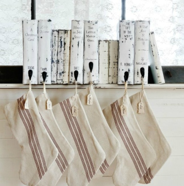 DIY-vintage-book-stocking-holder.jpg
