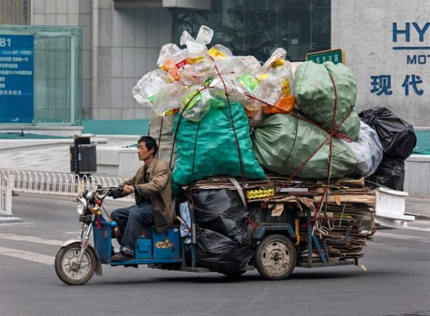 man_beijing_bike_recyclable_materials.jpg.653x0_q80_crop-smart.jpg