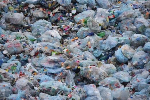 plastic-environment-litter-waste-dump-garbage-423456-pxhere.com.jpg